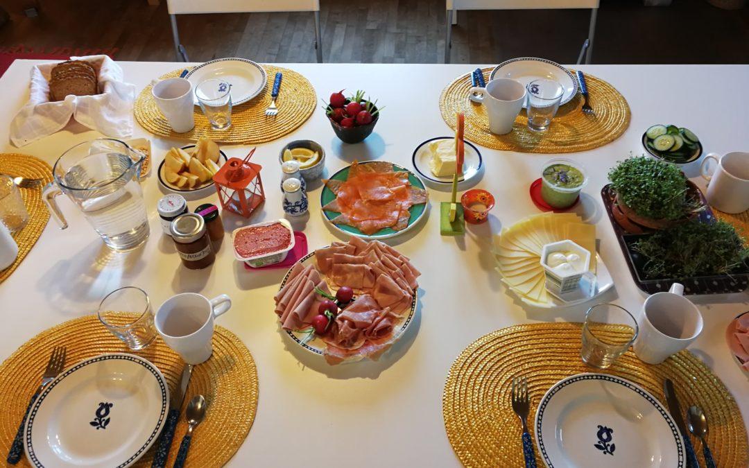 Frühlingsfrühstück und Malen